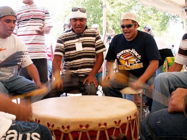 native-powwow-group